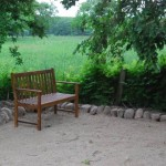 Ein Platz im Grünen - die Terrasse an der Obstwiese