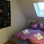 Kuschelecke mit Doppelbett und großem Kleiderschrank (nicht im Bild :-)